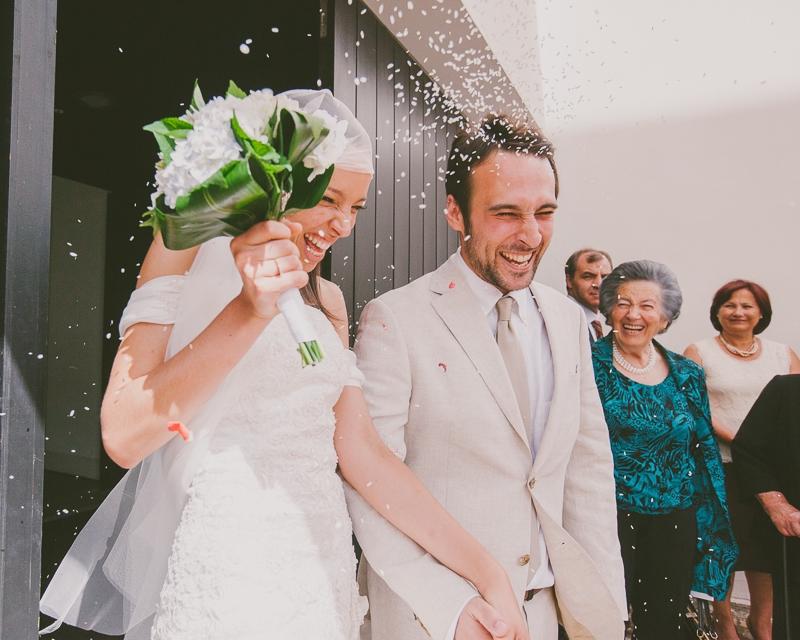 Reportagem Fotográfica de Casamento - Saída da Igreja Noivos