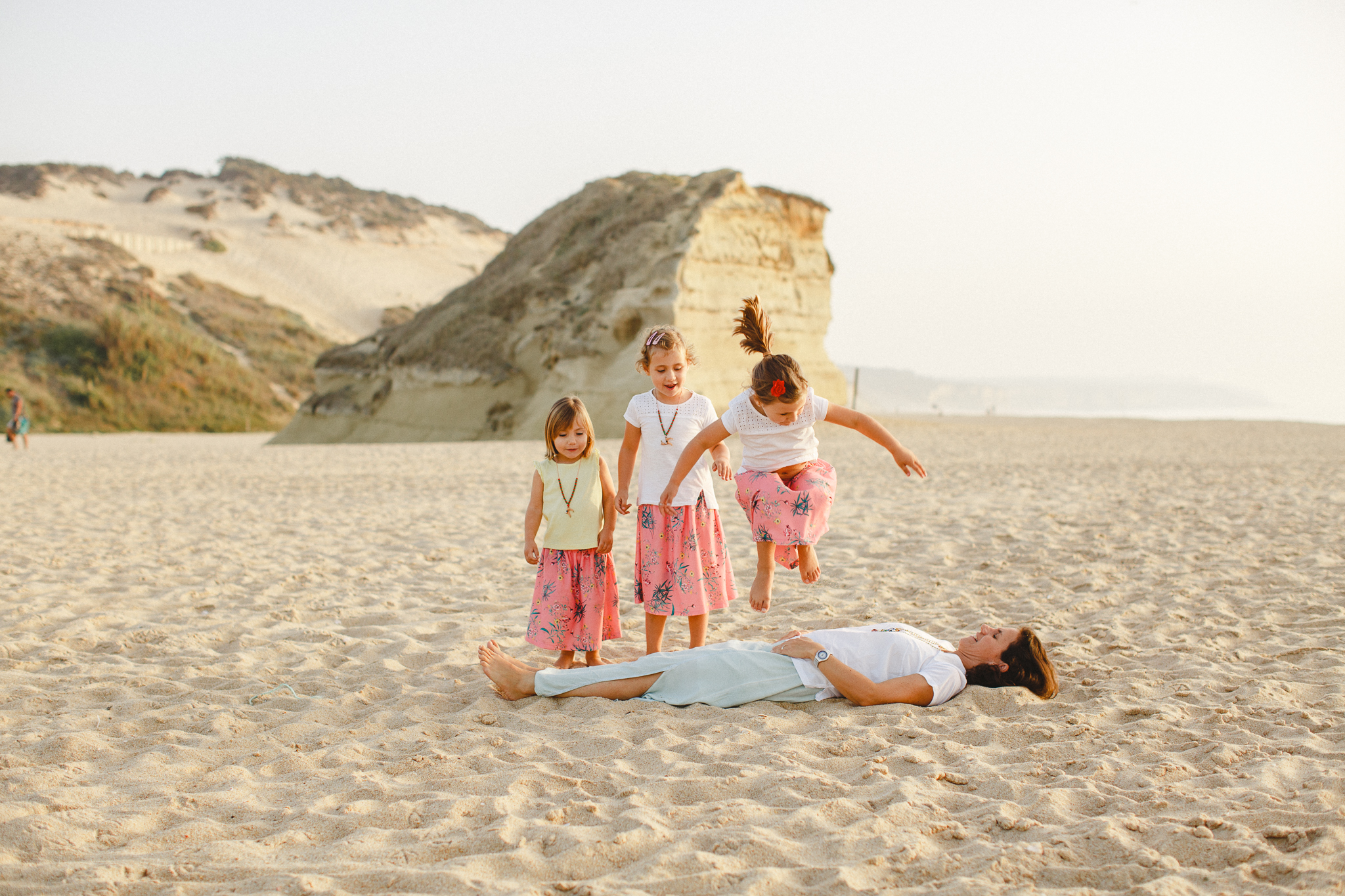 Sessão de Família na Praia, Beach Family Photo Shoot in Portugal by Hello Twiggs