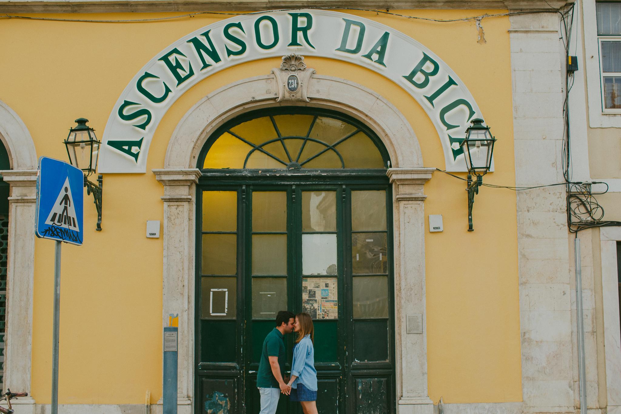 Sessão de Namoro em Lisboa, Engagement Photo Shoot in Lisbon by Hello Twiggs